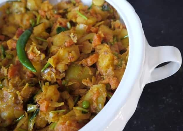 Band Gobi Mattar Recipe (Spicy Cabbage, Potatoes & Peas)